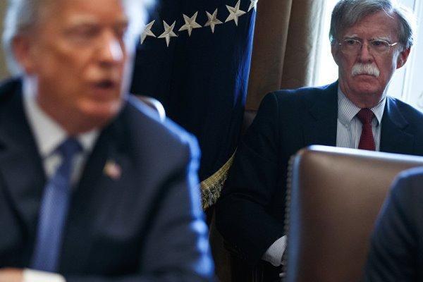 ترامپ به بولتون: نمی گذارم جنگ با ایران را آغاز کنی