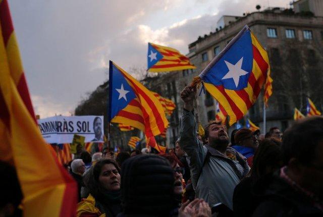 درگیری میان پلیس و معترضان کاتالونیایی