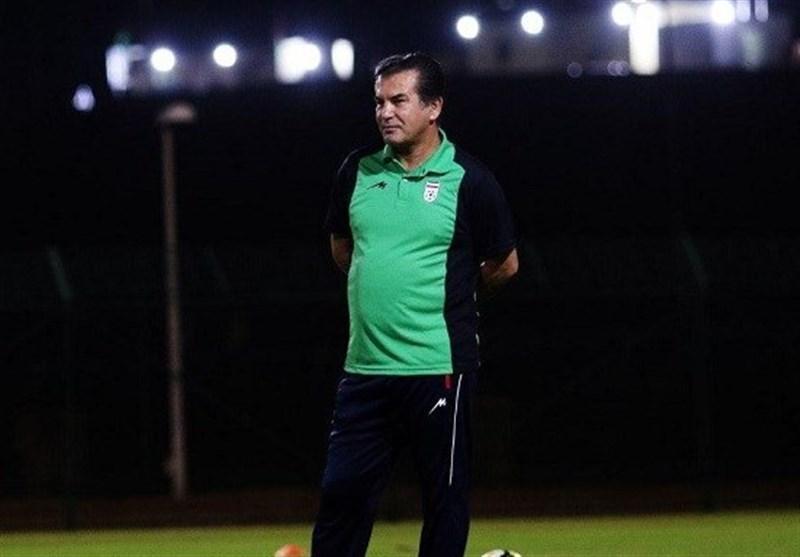 حمید استیلی: تاج به تیم امید یاری می نماید