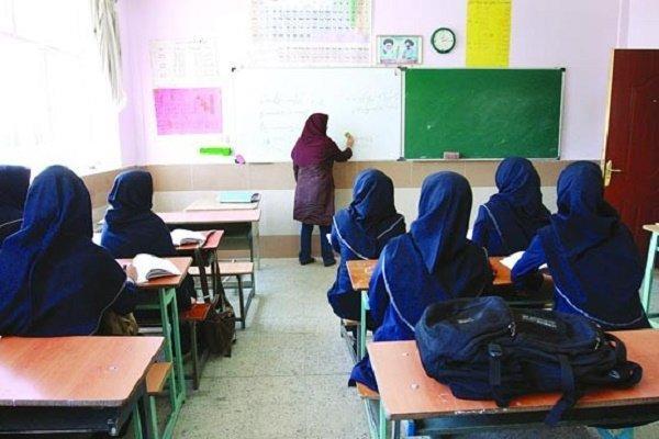 در مصاحبه با خبرنگاران مطرح شد؛ احتیاج به اعتبار 2500 میلیارد تومانی برای پرداخت معوقات فرهنگیان، دانشجو معلمان عیدی دریافت می نمایند