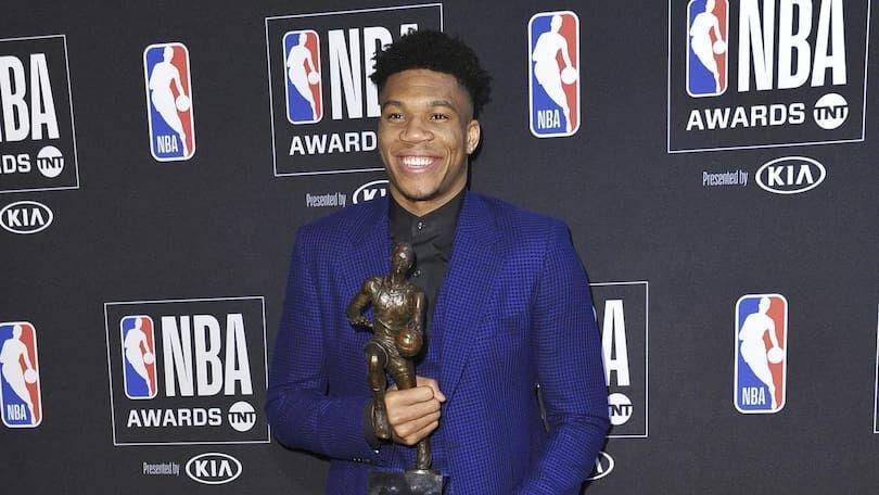 خبرنگاران غول یونانی ارزشمندترین بازیکن بسکتبال حرفه ای آمریکا شد