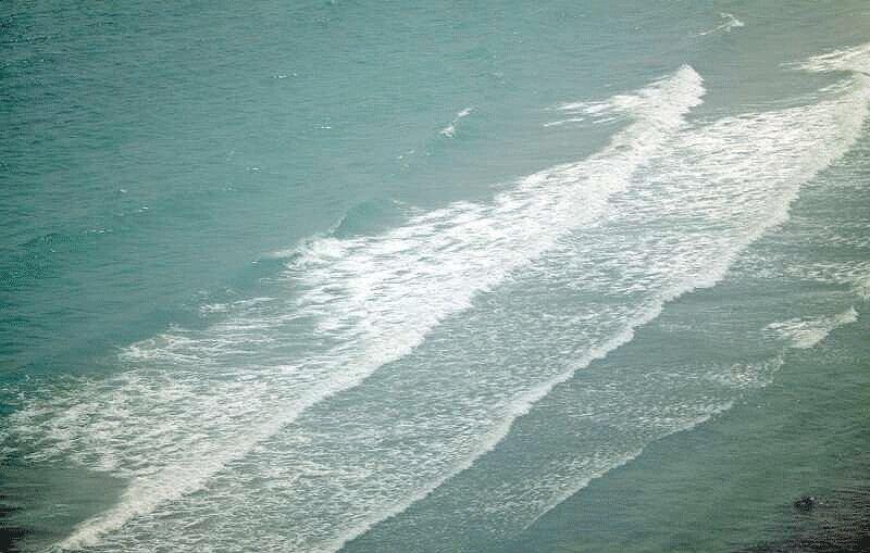 دریای عمان، تنگه هرمز و خلیج فارس مواج است