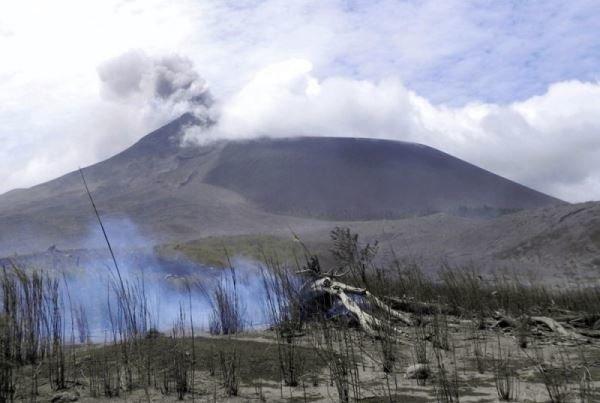 آتشفشان اندونزی 2 بار فوران کرد