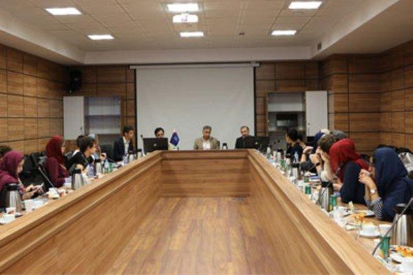 دانشجویان ایتالیایی در یک دانشگاه ایرانی فارسی یاد می گیرند