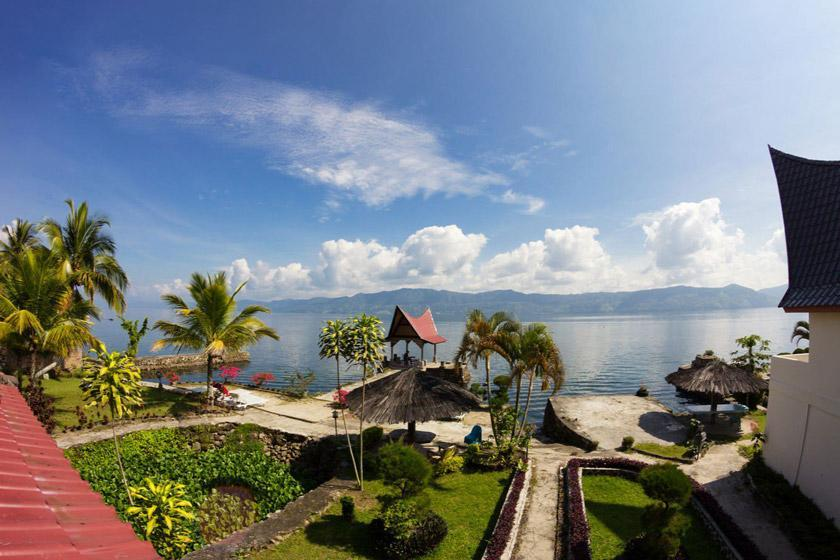 احداث مجموعه توریستی دریاچه توبا اندونزی