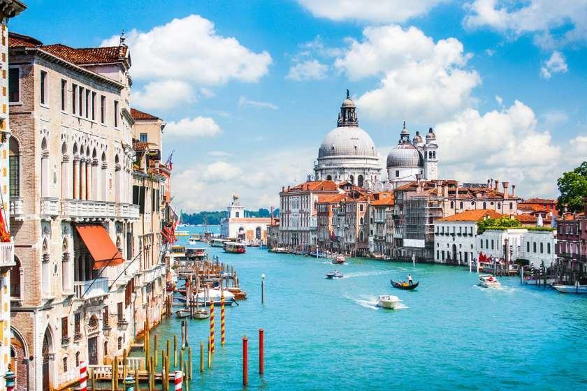 20 کاری که در ایتالیا، گردشگران را به دردسر می اندازد