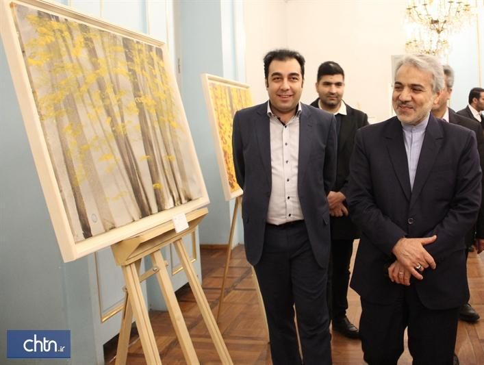 افتتاح نمایشگاه نقاشی مریم حیدرزاده با حضور رئیس سازمان برنامه و بودجه در نیاوران