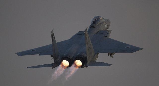 مسکو: جنگنده های آمریکایی با بمب های حاوی فسفر سفید دیرالزور را بمباران کردند، پنتاگون تکذیب کرد