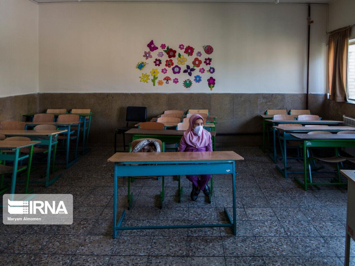 خبرنگاران شرایط مدارس اصفهان از نظر مقابله با کرونا مطلوب است