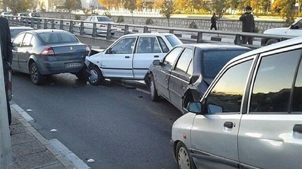 تصادف شدید باعث ترافیک در محدوده مدرس آفریقا شد