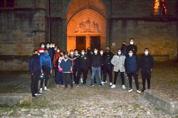 جوانان مسلمان فرانسه برای حفاظت از کلیساها پیش قدم شدند
