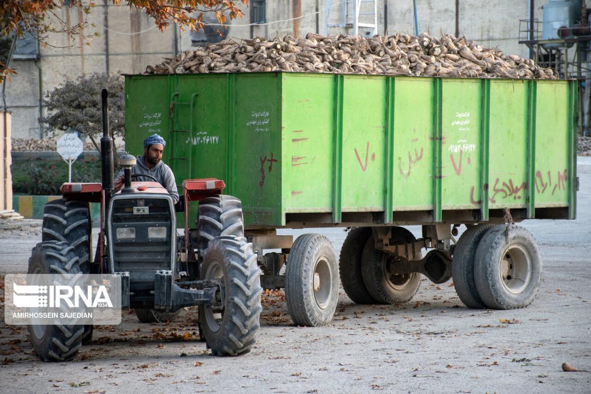 خبرنگاران تولیدکنندگان سمنان 580میلیارد ریال وام اشتغال روستایی دریافت کردند