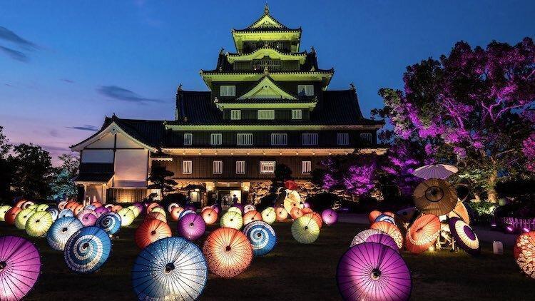 زیبایی های بی تمام ژاپن ؛ چترهای نورانی قلعه اوکایامای ژاپن