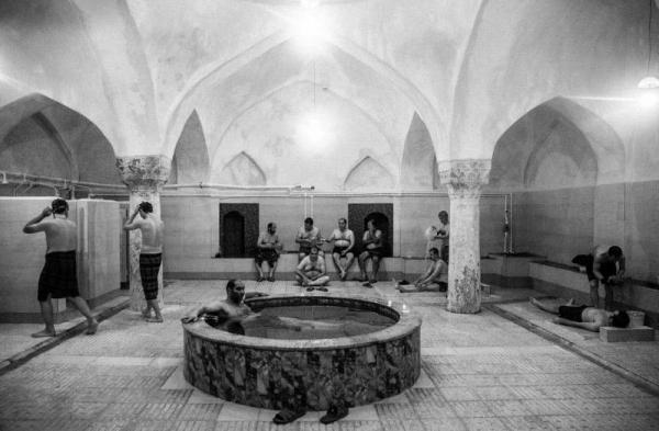 ماجرای اولین حمام دوش دار در تهران