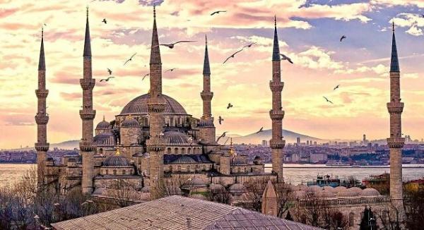 ترکیه 20 میلیون توریست از برنامه سالانه خود عقب افتاد
