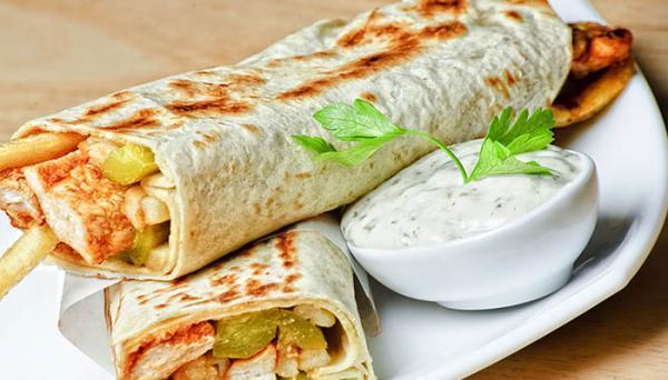 طرز تهیه شاورمای مرغ غذای اصیل عربی به 2 روش