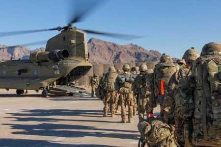 خروج نظامیان آمریکایی از پایگاه هوایی بگرام افغانستان