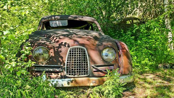 طراحی ویلای مدرن کوچک: تبدیل شدن قبرستان خودرو ها به یک باغچه زیبا